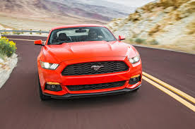mustang size comparison 2016 chevrolet camaro rs vs 2016 ford mustang