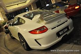 porsche gt3 malaysia porsche 911 gt3 spotted in klcc tower malaysia on 10 28 2012