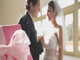 how much for wedding gift how much should you spend on a wedding gift huffpost how much