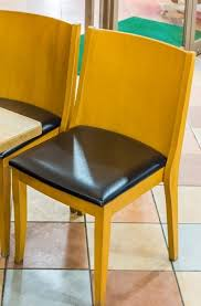 une chaise rénover la garniture d une chaise youjustdo