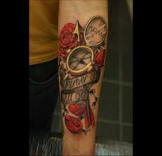 tatouage femme avant bras tatouage boussole illustrations et significations