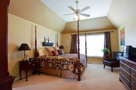 Master Bedroom Ceiling Fans by Traditional Master Bedroom With Ceiling Fan U0026 Built In Bookshelf