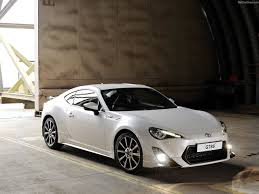 nissan 370z vs toyota 86 toyota u0027s second generation gt86 will have updated styling and more