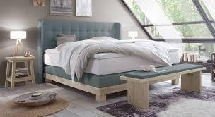 schlafzimmer boxspringbett gemütliches boxspringbett in außergewöhnlichen farben betten de