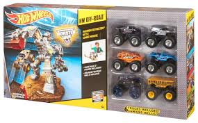 walmart monster jam trucks amazon com wheels off road maximum destruction battle playset