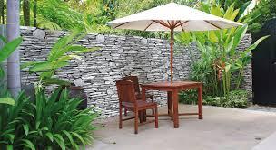 modele de jardin moderne idée déco au jardin comment habiller un mur prima