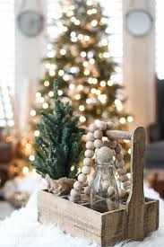 Natural Christmas Decorations Green And White Christmas Decorating Ideas Christmas Living