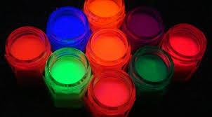como agua fluorescente o de neón como armar