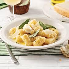 cuisiner les gnocchis gnocchis sauce au beurre et à la sauge recettes cuisine et