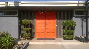 file nielsen pool house front door png png wikimedia commons