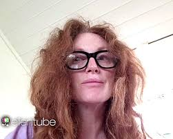 julie ann moore s hair color julianne moore reveals her unseen frizzy summer hair on ellen