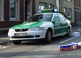 opel germany file opel vectra b german police car spielvogel jpg wikimedia