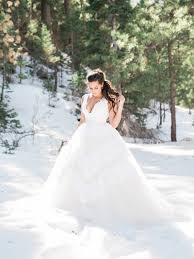 trending intimate winter wedding ideas