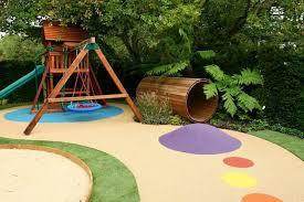 giardino bambini come creare uno spazio per i bambini in giardino accessori per