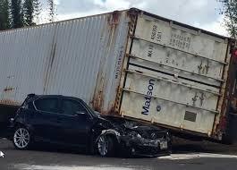 trailer lands on car injures driver on kunia road honolulu