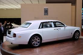carro rolls royce rolls royce motor cars brings serenity to the geneva myautoworld com