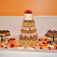 wedding cakes des moines carefree patisserie closed 16 reviews bakeries 304 5th st