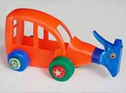 membuat mainan dr barang bekas 11 ide bikin mainan dari ragam botol bekas kamu bisa bikin