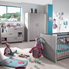 chambre d enfant de chez geuther modèle poignées verts