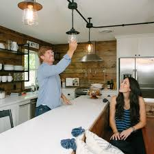 fixer upper on hgtv 13 facts about hgtv s show fixer upper you didn t know