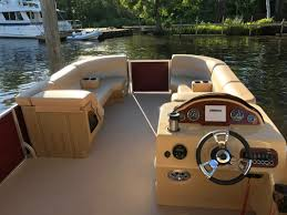 Vinyl Pontoon Boat Flooring by Lexington 21 Foot Cruising Pontoon