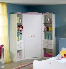 eckschrank kinderzimmer kinderzimmer eckkleiderschrank in alpinweiß rosa dekor mit zwei türen