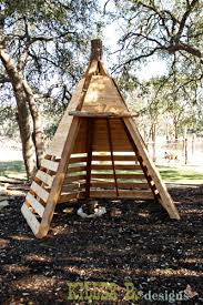 Build A Backyard Fort With Only A Few Days Left Until Christmas We Finished Up Our