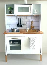 jouer a la cuisine mini table cuisine cuisine moderne quels meubles choisir pour