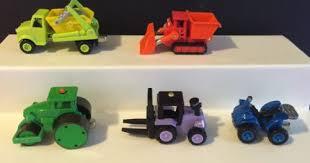 bob builder diecast vehicles figures roley trix scrambler