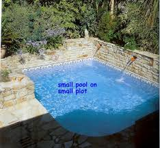 Mini Pools For Small Backyards by Pool Designs For Small Backyards 1000 Ideas About Small Pools On