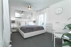 white walls in bedroom beautiful color schemes for bedrooms with white walls inspirations