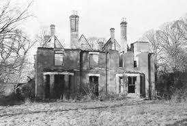 les demeures hant礬es la taverne de l 礬trange