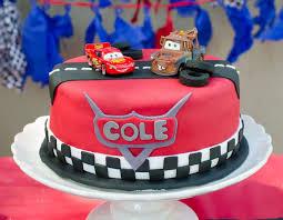 lightning mcqueen birthday cake for bottom part of cake with race track around bottom story