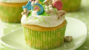lucky charms cupcakes recipe bettycrocker