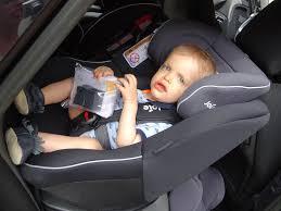 siege auto rear facing sécurité routière protégeons nos enfants avec joie le