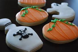 spooky ginger spiced sugar cookies for halloween xameliax lizy b