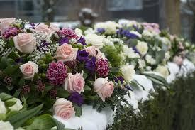 funeral flower etiquette funeral flowers choose the right arrangement