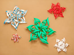 make a 3d paper snowflake beautiful snow and window