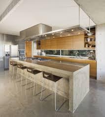 kitchen wooden laminating flooring in mdoern big kitchen design