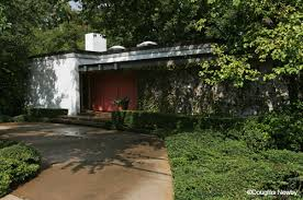 Important Midcentury Modern Home Spared From Dallas Teardown Trend - Midcentury modern furniture dallas
