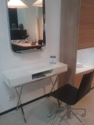 bureau laqué blanc brillant console bureau laqué blanc brillant toulon ligne roset cinna
