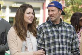 How Much Does A Waitress Make A Year by Will There Be Gilmore Girls A Year In The Life Season 2