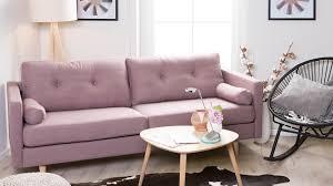 sofa rosa sofá rosa contagiante e alegre westwing