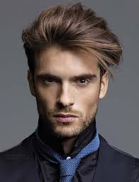 Frisuren Lange Haare F by Moderne Frisur Für Männer Mit Einem Gefühl Für Mode