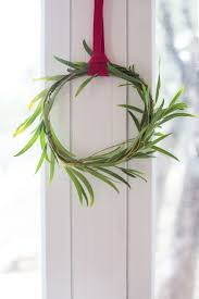 Live Decorated Christmas Wreaths by Simple Mini Christmas Wreaths One Little Minute Blog