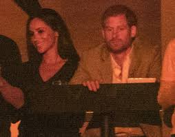prince harry u0026 meghan markle kissed at the invictus games closing