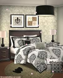 3 ways to design a modern bedroom with fleur de lis bedding