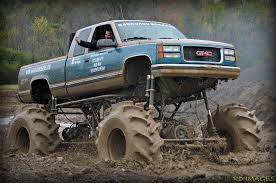 mudding cars barnyard boggers mud boggin