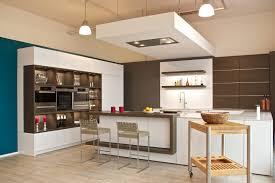 deckenlüfter küche leicht küchen mit tresen silestonearbeitsplatte küchen konzept
