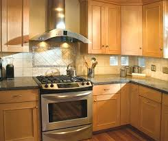 kitchen wall colors with maple cabinets kitchens with light maple cabinets kitchen wall colors with light